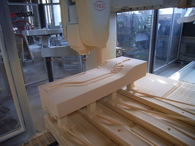 cnc holz holzbau schreinerei 3d formen modelbau betonschalungsbau kunst instrumentenbau. Black Bedroom Furniture Sets. Home Design Ideas