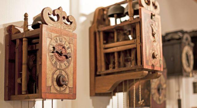 claude schauerte klosters uhren schmuck juwelen antike. Black Bedroom Furniture Sets. Home Design Ideas
